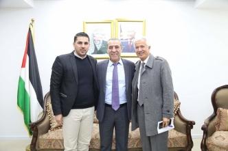 اجتماع مع معالي وزير الشؤون المدنية الاخ حسين الشيخ